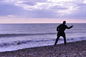 Throwing_stones_at_the_sea